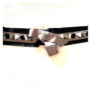 Accessories - Stunning low waisted BELT